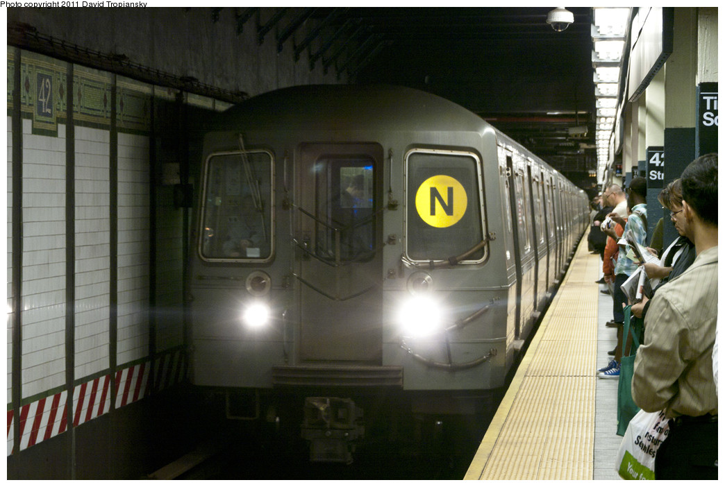 (224k, 1044x702)<br><b>Country:</b> United States<br><b>City:</b> New York<br><b>System:</b> New York City Transit<br><b>Line:</b> BMT Broadway Line<br><b>Location:</b> Times Square/42nd Street <br><b>Route:</b> N<br><b>Car:</b> R-68A (Kawasaki, 1988-1989)  5126 <br><b>Photo by:</b> David Tropiansky<br><b>Date:</b> 10/8/2010<br><b>Viewed (this week/total):</b> 6 / 1811