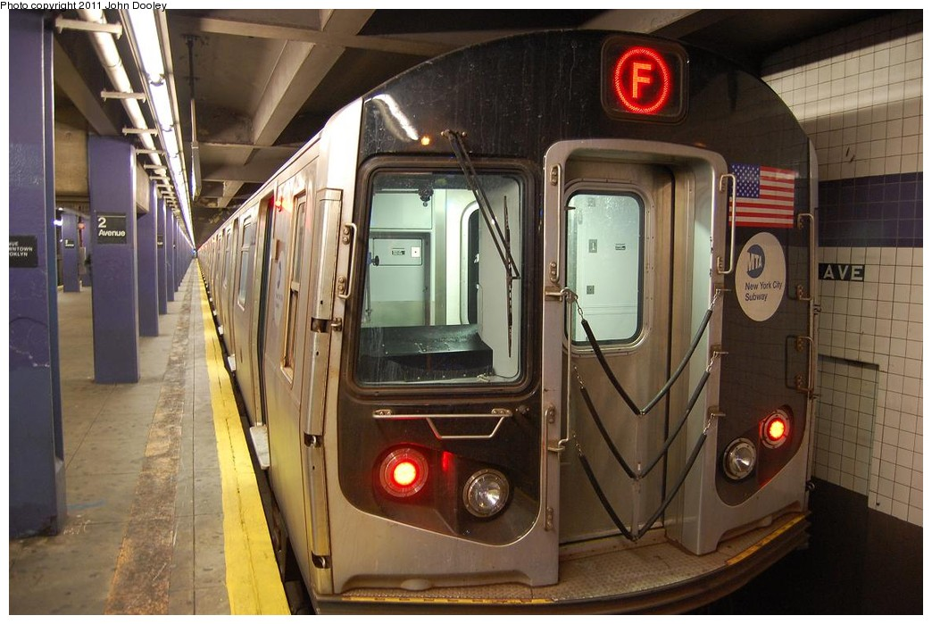 (221k, 1044x699)<br><b>Country:</b> United States<br><b>City:</b> New York<br><b>System:</b> New York City Transit<br><b>Line:</b> IND 6th Avenue Line<br><b>Location:</b> 2nd Avenue <br><b>Route:</b> F<br><b>Car:</b> R-160B (Option 2) (Kawasaki, 2009)  9902 <br><b>Photo by:</b> John Dooley<br><b>Date:</b> 12/26/2010<br><b>Viewed (this week/total):</b> 0 / 480