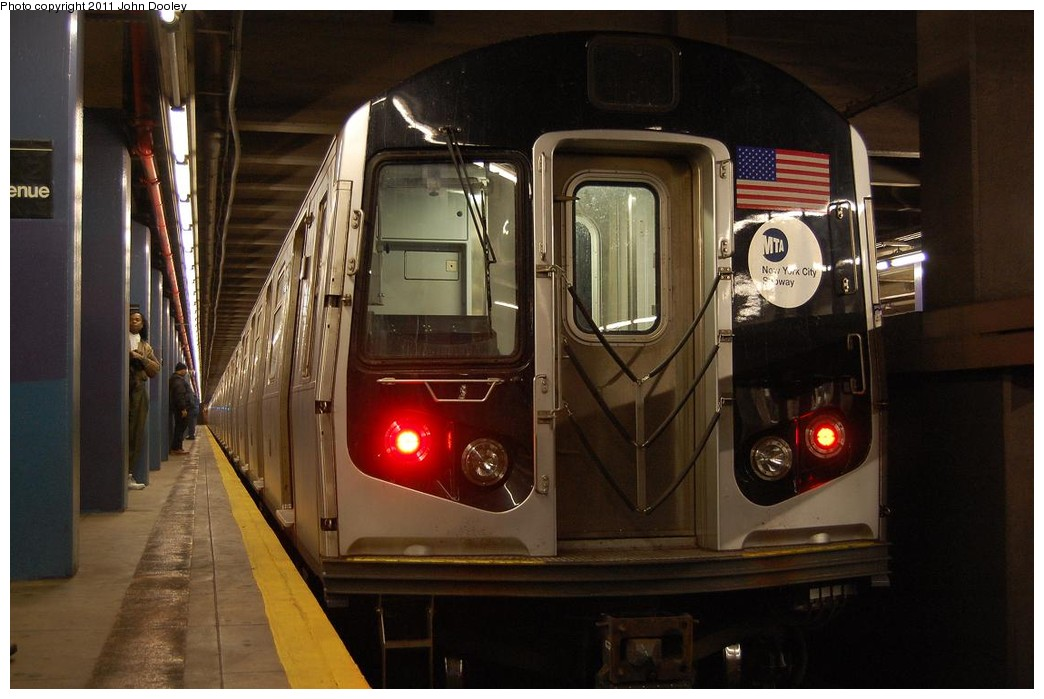 (194k, 1044x699)<br><b>Country:</b> United States<br><b>City:</b> New York<br><b>System:</b> New York City Transit<br><b>Line:</b> IND 6th Avenue Line<br><b>Location:</b> 2nd Avenue <br><b>Route:</b> M<br><b>Car:</b> R-160A-1 (Alstom, 2005-2008, 4 car sets)   <br><b>Photo by:</b> John Dooley<br><b>Date:</b> 12/26/2010<br><b>Notes:</b> Snowstorm layup<br><b>Viewed (this week/total):</b> 1 / 516