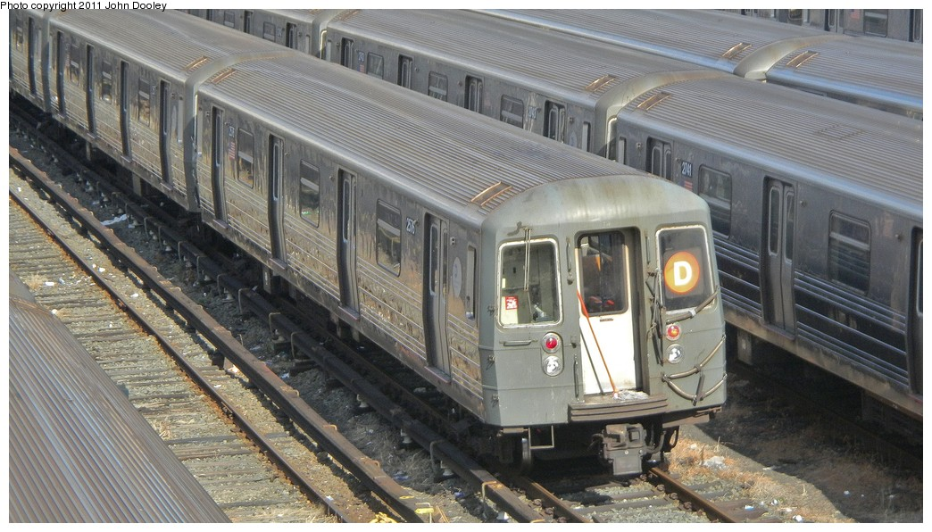 (219k, 1044x596)<br><b>Country:</b> United States<br><b>City:</b> New York<br><b>System:</b> New York City Transit<br><b>Location:</b> Concourse Yard<br><b>Car:</b> R-68 (Westinghouse-Amrail, 1986-1988)  2578 <br><b>Photo by:</b> John Dooley<br><b>Date:</b> 10/29/2010<br><b>Viewed (this week/total):</b> 2 / 766