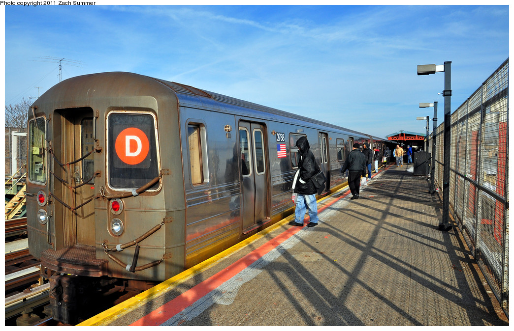 (307k, 1044x674)<br><b>Country:</b> United States<br><b>City:</b> New York<br><b>System:</b> New York City Transit<br><b>Line:</b> BMT West End Line<br><b>Location:</b> 79th Street <br><b>Route:</b> D<br><b>Car:</b> R-68 (Westinghouse-Amrail, 1986-1988)  2788 <br><b>Photo by:</b> Zach Summer<br><b>Date:</b> 12/31/2010<br><b>Viewed (this week/total):</b> 0 / 619