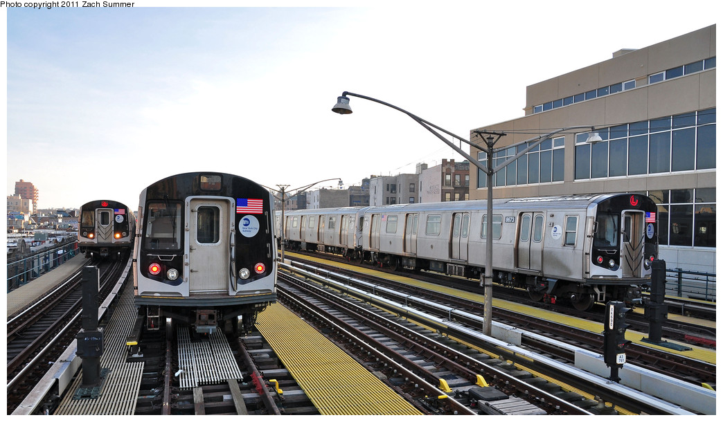 (235k, 1044x610)<br><b>Country:</b> United States<br><b>City:</b> New York<br><b>System:</b> New York City Transit<br><b>Line:</b> BMT Brighton Line<br><b>Location:</b> Ocean Parkway <br><b>Route:</b> Q<br><b>Car:</b> R-160B (Option 1) (Kawasaki, 2008-2009)  9092 <br><b>Photo by:</b> Zach Summer<br><b>Date:</b> 1/1/2011<br><b>Notes:</b> Left to Right: R160B 9092 Q, R160B 9078 Layup, R160A-2 8673 Layup<br><b>Viewed (this week/total):</b> 3 / 511