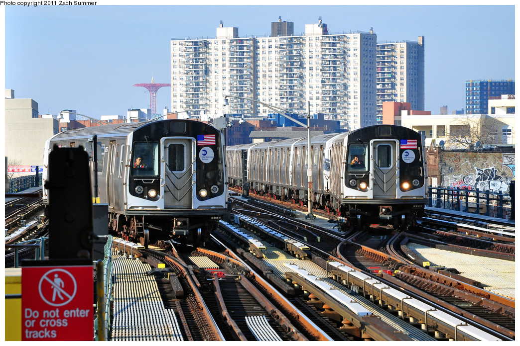 (361k, 1044x696)<br><b>Country:</b> United States<br><b>City:</b> New York<br><b>System:</b> New York City Transit<br><b>Line:</b> BMT Brighton Line<br><b>Location:</b> Brighton Beach <br><b>Car:</b> R-160B (Kawasaki, 2005-2008)  8757 <br><b>Photo by:</b> Zach Summer<br><b>Date:</b> 1/1/2011<br><b>Notes:</b> With R160B 9093 pulling into Brighton Beach simultaneously<br><b>Viewed (this week/total):</b> 1 / 1220