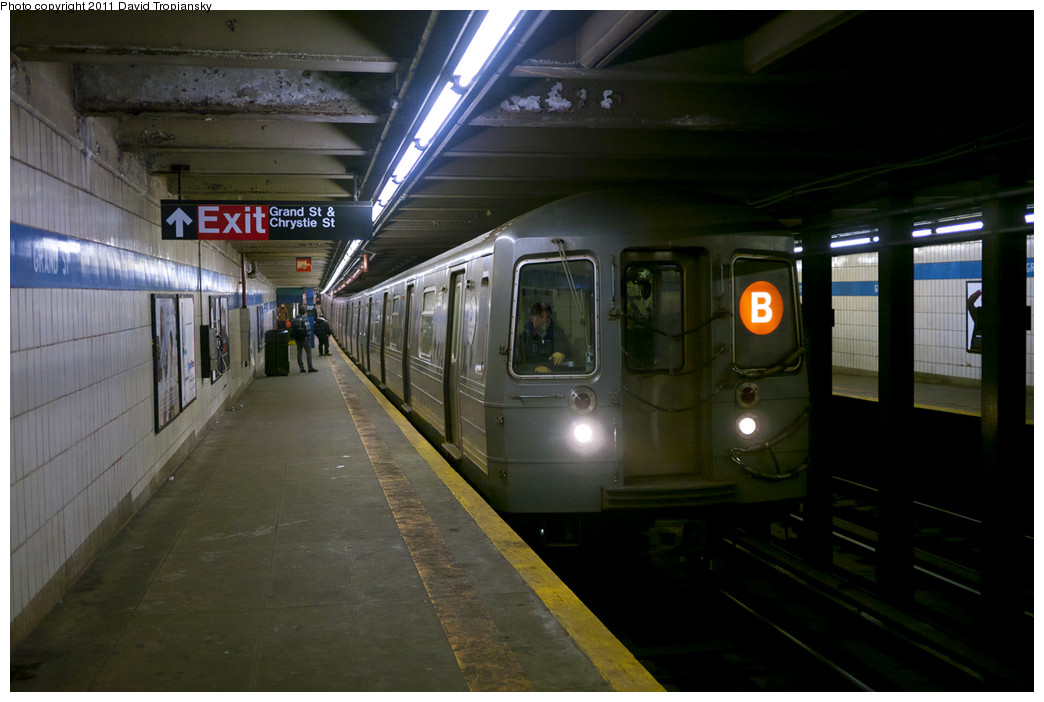 (192k, 1044x702)<br><b>Country:</b> United States<br><b>City:</b> New York<br><b>System:</b> New York City Transit<br><b>Line:</b> IND 6th Avenue Line<br><b>Location:</b> Grand Street <br><b>Route:</b> B<br><b>Car:</b> R-68A (Kawasaki, 1988-1989)  5154 <br><b>Photo by:</b> David Tropiansky<br><b>Date:</b> 1/21/2011<br><b>Viewed (this week/total):</b> 1 / 802