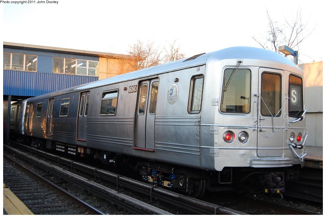 (211k, 1044x699)<br><b>Country:</b> United States<br><b>City:</b> New York<br><b>System:</b> New York City Transit<br><b>Line:</b> IND Rockaway<br><b>Location:</b> Broad Channel <br><b>Route:</b> S<br><b>Car:</b> R-46 (Pullman-Standard, 1974-75) 6090 <br><b>Photo by:</b> John Dooley<br><b>Date:</b> 12/17/2010<br><b>Viewed (this week/total):</b> 1 / 1104