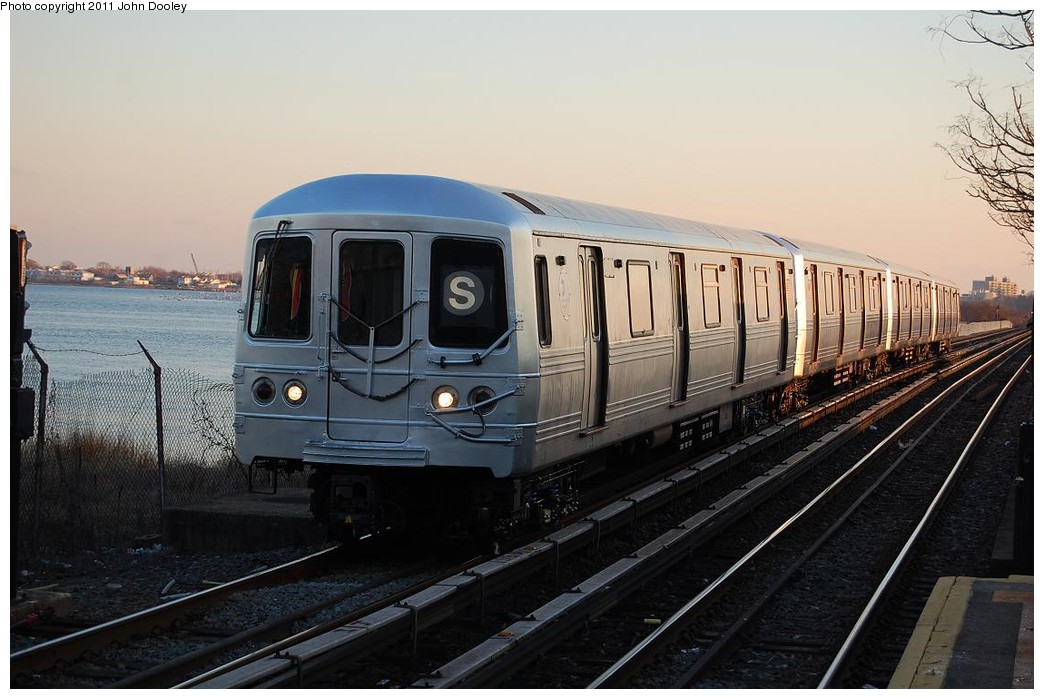 (205k, 1044x699)<br><b>Country:</b> United States<br><b>City:</b> New York<br><b>System:</b> New York City Transit<br><b>Line:</b> IND Rockaway<br><b>Location:</b> Aqueduct/North Conduit Avenue <br><b>Route:</b> S<br><b>Car:</b> R-46 (Pullman-Standard, 1974-75) 6094 <br><b>Photo by:</b> John Dooley<br><b>Date:</b> 12/17/2010<br><b>Viewed (this week/total):</b> 0 / 488