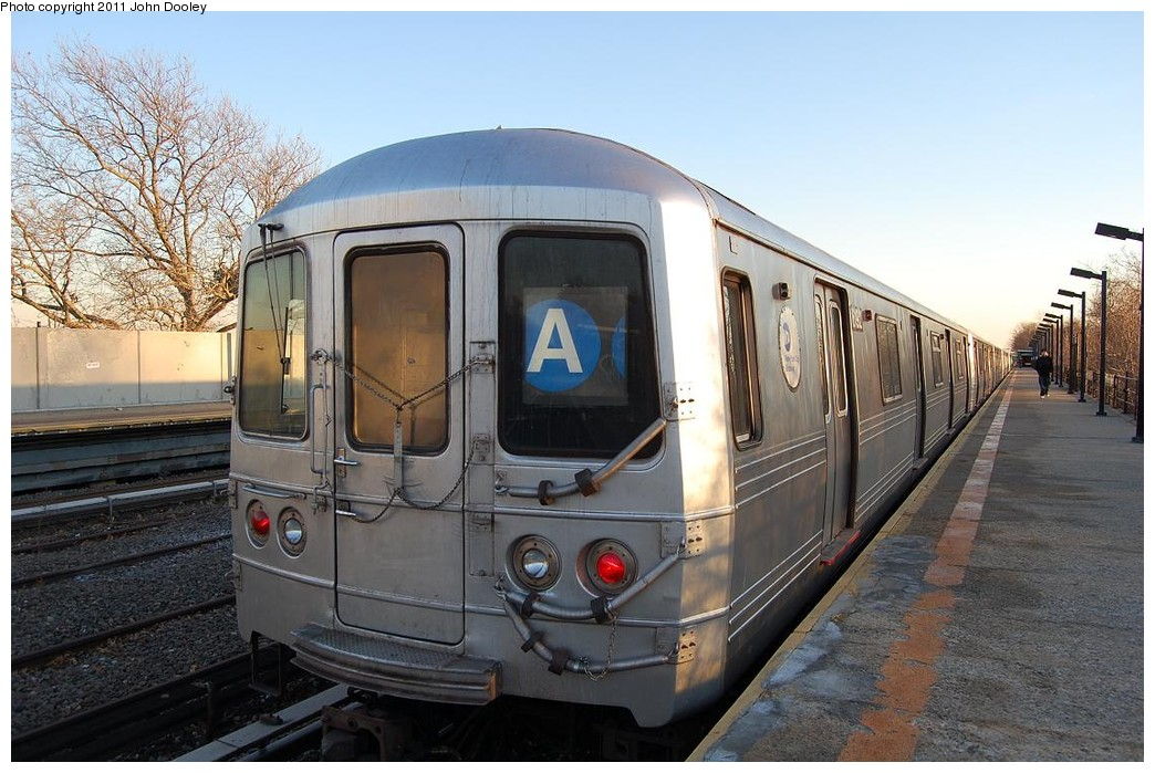 (234k, 1044x699)<br><b>Country:</b> United States<br><b>City:</b> New York<br><b>System:</b> New York City Transit<br><b>Line:</b> IND Rockaway<br><b>Location:</b> Aqueduct/North Conduit Avenue <br><b>Route:</b> A<br><b>Car:</b> R-46 (Pullman-Standard, 1974-75) 6192 <br><b>Photo by:</b> John Dooley<br><b>Date:</b> 12/17/2010<br><b>Viewed (this week/total):</b> 3 / 522