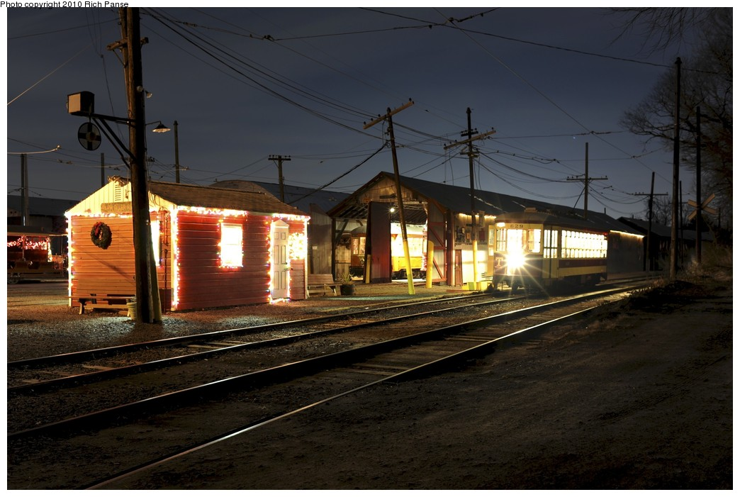 (177k, 1044x701)<br><b>Country:</b> United States<br><b>City:</b> East Haven/Branford, Ct.<br><b>System:</b> Shore Line Trolley Museum <br><b>Car:</b> TARS 629 <br><b>Photo by:</b> Richard Panse<br><b>Date:</b> 12/18/2010<br><b>Viewed (this week/total):</b> 2 / 116