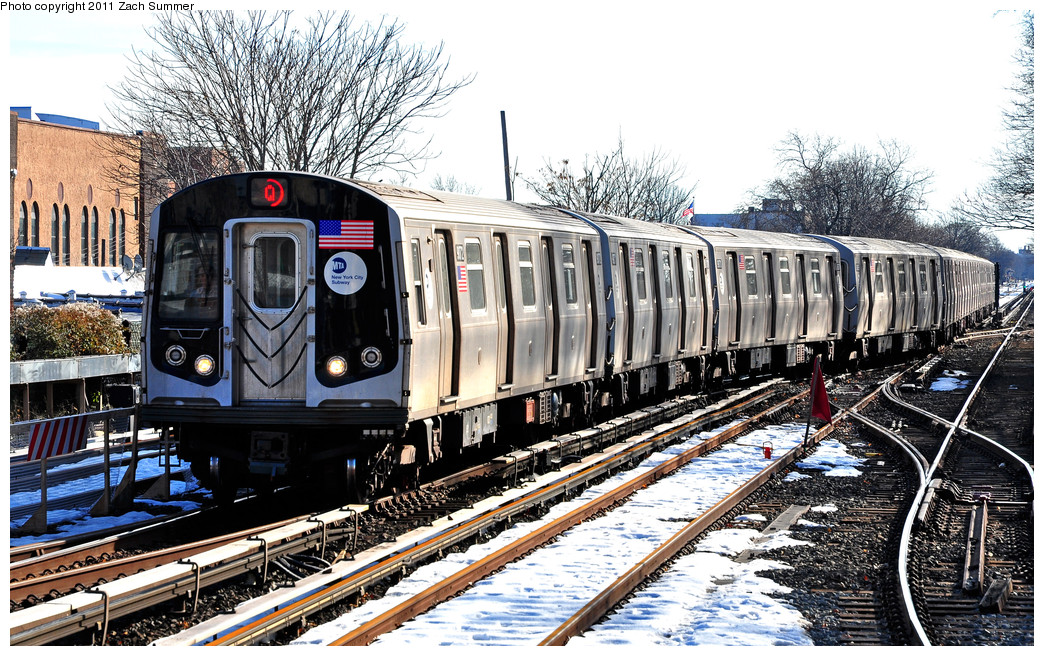(362k, 1044x656)<br><b>Country:</b> United States<br><b>City:</b> New York<br><b>System:</b> New York City Transit<br><b>Line:</b> BMT Brighton Line<br><b>Location:</b> Kings Highway <br><b>Route:</b> Q Relay<br><b>Car:</b> R-160B (Option 1) (Kawasaki, 2008-2009)  9072 <br><b>Photo by:</b> Zach Summer<br><b>Date:</b> 1/5/2011<br><b>Notes:</b> Due to a G.O. Q Trains were terminating at Kings Highway; B Trains ran to Brighton Beach; B68 Buses replaced Q Service between Brighton Beach & Stillwell Avenue.<br><b>Viewed (this week/total):</b> 1 / 489