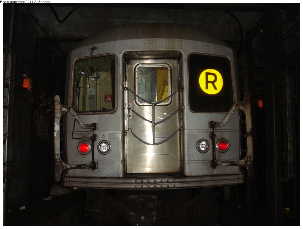 (178k, 1044x788)<br><b>Country:</b> United States<br><b>City:</b> New York<br><b>System:</b> New York City Transit<br><b>Line:</b> IND Queens Boulevard Line<br><b>Location:</b> 71st/Continental Aves./Forest Hills <br><b>Route:</b> R layup<br><b>Car:</b> R-40M (St. Louis, 1969)   <br><b>Photo by:</b> Al Bennett, Jr.<br><b>Date:</b> 2/13/2009<br><b>Viewed (this week/total):</b> 3 / 666