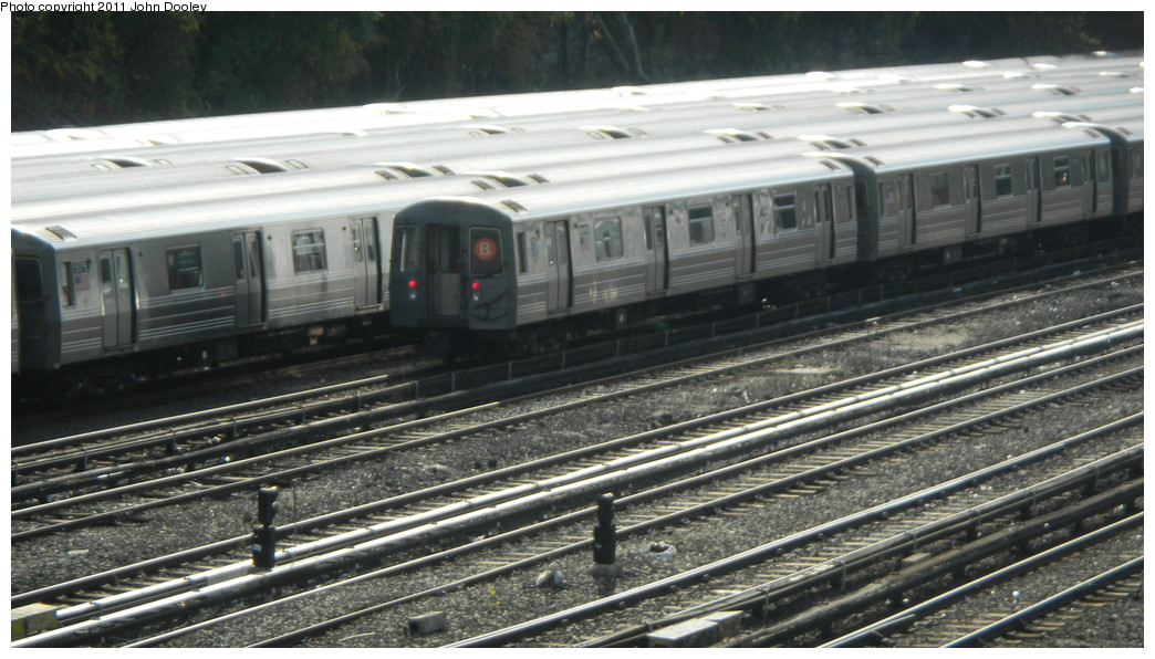 (248k, 1044x596)<br><b>Country:</b> United States<br><b>City:</b> New York<br><b>System:</b> New York City Transit<br><b>Location:</b> Concourse Yard<br><b>Car:</b> R-68A (Kawasaki, 1988-1989)  5040 <br><b>Photo by:</b> John Dooley<br><b>Date:</b> 10/29/2010<br><b>Viewed (this week/total):</b> 0 / 286