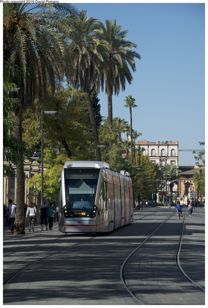 (310k, 703x1043)<br><b>Country:</b> Spain<br><b>City:</b> Seville<br><b>System:</b> Tranvía MetroCentro <br><b>Location:</b> Calle San Fernando <br><b>Car:</b> CAF Urbos 3  303 <br><b>Photo by:</b> David Pirmann<br><b>Date:</b> 11/8/2015<br><b>Viewed (this week/total):</b> 12 / 281