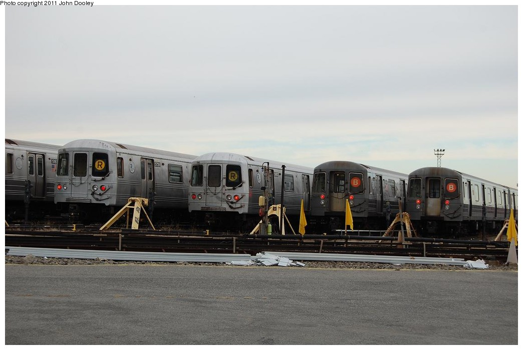 (184k, 1044x699)<br><b>Country:</b> United States<br><b>City:</b> New York<br><b>System:</b> New York City Transit<br><b>Location:</b> 36th Street Yard<br><b>Photo by:</b> John Dooley<br><b>Date:</b> 12/16/2010<br><b>Notes:</b> R46 and R68 cars.<br><b>Viewed (this week/total):</b> 1 / 751