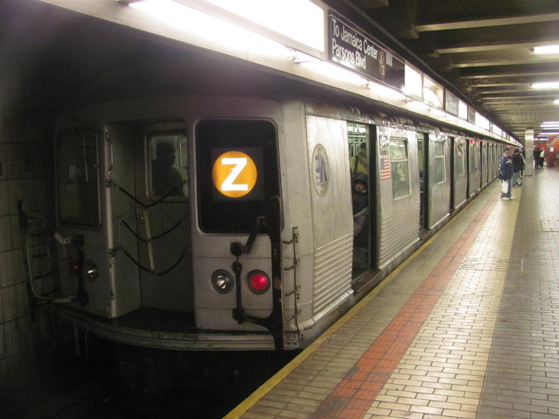 (63k, 800x600)<br><b>Country:</b> United States<br><b>City:</b> New York<br><b>System:</b> New York City Transit<br><b>Line:</b> IND Queens Boulevard Line<br><b>Location:</b> Jamaica Center/Parsons-Archer <br><b>Route:</b> Z<br><b>Car:</b> R-42 (St. Louis, 1969-1970)   <br><b>Photo by:</b> Steven Cruz<br><b>Date:</b> 1/2011<br><b>Viewed (this week/total):</b> 1 / 1242