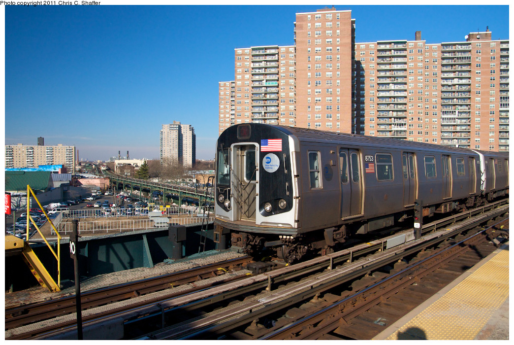 (332k, 1044x700)<br><b>Country:</b> United States<br><b>City:</b> New York<br><b>System:</b> New York City Transit<br><b>Line:</b> BMT Brighton Line<br><b>Location:</b> West 8th Street <br><b>Route:</b> Q<br><b>Car:</b> R-160B (Kawasaki, 2005-2008)  8753 <br><b>Photo by:</b> Chris C. Shaffer<br><b>Date:</b> 2/11/2011<br><b>Viewed (this week/total):</b> 0 / 749