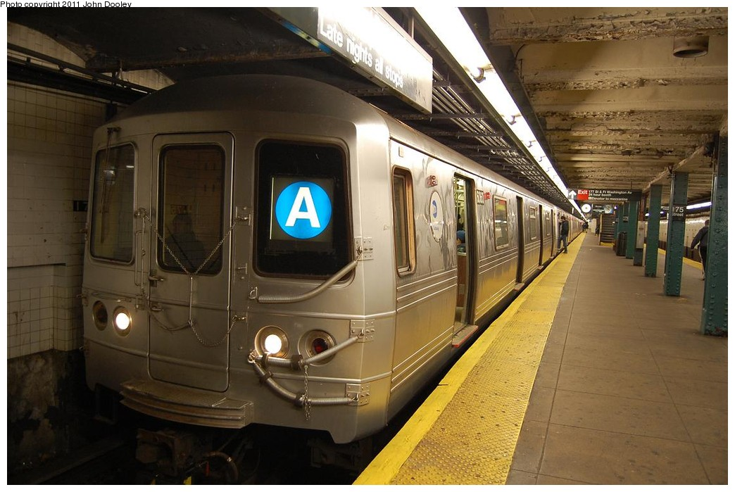 (217k, 1044x699)<br><b>Country:</b> United States<br><b>City:</b> New York<br><b>System:</b> New York City Transit<br><b>Line:</b> IND 8th Avenue Line<br><b>Location:</b> 175th Street/George Washington Bridge Bus Terminal <br><b>Route:</b> A<br><b>Car:</b> R-46 (Pullman-Standard, 1974-75) 6060 <br><b>Photo by:</b> John Dooley<br><b>Date:</b> 12/3/2010<br><b>Viewed (this week/total):</b> 5 / 1431