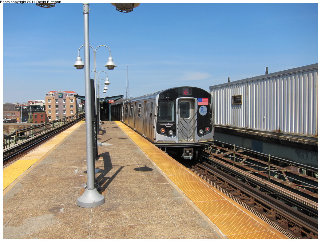 (263k, 1044x788)<br><b>Country:</b> United States<br><b>City:</b> New York<br><b>System:</b> New York City Transit<br><b>Line:</b> BMT Canarsie Line<br><b>Location:</b> Atlantic Avenue <br><b>Route:</b> L<br><b>Car:</b> R-160A-1 (Alstom, 2005-2008, 4 car sets)  8348 <br><b>Photo by:</b> David Pirmann<br><b>Date:</b> 4/9/2011<br><b>Viewed (this week/total):</b> 4 / 822
