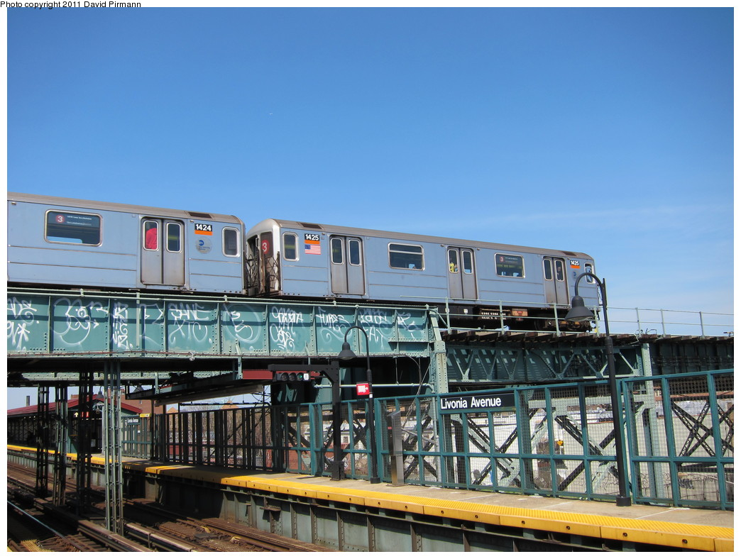 (231k, 1044x788)<br><b>Country:</b> United States<br><b>City:</b> New York<br><b>System:</b> New York City Transit<br><b>Line:</b> BMT Canarsie Line<br><b>Location:</b> Livonia Avenue <br><b>Route:</b> 3<br><b>Car:</b> R-62 (Kawasaki, 1983-1985)  1425 <br><b>Photo by:</b> David Pirmann<br><b>Date:</b> 4/9/2011<br><b>Notes:</b> View of IRT from Canarsie line platform.<br><b>Viewed (this week/total):</b> 4 / 565