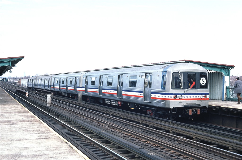 (182k, 1024x680)<br><b>Country:</b> United States<br><b>City:</b> New York<br><b>System:</b> New York City Transit<br><b>Line:</b> BMT Culver Line<br><b>Location:</b> Bay Parkway (22nd Avenue) <br><b>Route:</b> Fan Trip<br><b>Car:</b> R-46 (Pullman-Standard, 1974-75) 680 <br><b>Photo by:</b> Ed McKernan<br><b>Collection of:</b> Joe Testagrose<br><b>Date:</b> 2/26/1977<br><b>Viewed (this week/total):</b> 8 / 496