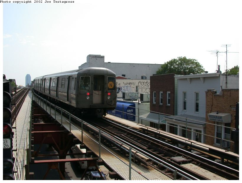 (118k, 820x620)<br><b>Country:</b> United States<br><b>City:</b> New York<br><b>System:</b> New York City Transit<br><b>Line:</b> BMT Astoria Line<br><b>Location:</b> Astoria Boulevard/Hoyt Avenue <br><b>Route:</b> N<br><b>Car:</b> R-68 (Westinghouse-Amrail, 1986-1988)  2782 <br><b>Photo by:</b> Joe Testagrose<br><b>Date:</b> 6/19/2002<br><b>Viewed (this week/total):</b> 4 / 4317