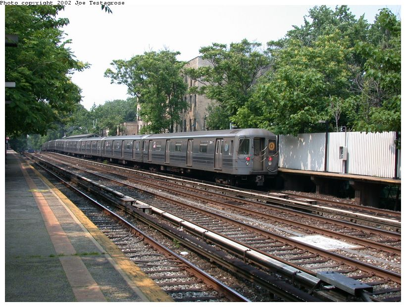 (170k, 820x620)<br><b>Country:</b> United States<br><b>City:</b> New York<br><b>System:</b> New York City Transit<br><b>Line:</b> BMT Brighton Line<br><b>Location:</b> Avenue H <br><b>Route:</b> Q<br><b>Car:</b> R-68 (Westinghouse-Amrail, 1986-1988)  2824 <br><b>Photo by:</b> Joe Testagrose<br><b>Date:</b> 6/11/2002<br><b>Viewed (this week/total):</b> 1 / 3105