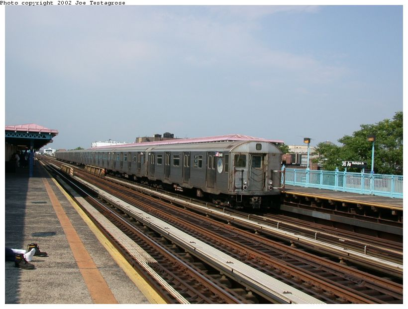 (121k, 820x620)<br><b>Country:</b> United States<br><b>City:</b> New York<br><b>System:</b> New York City Transit<br><b>Line:</b> BMT Astoria Line<br><b>Location:</b> 36th/Washington Aves. <br><b>Car:</b> R-32 (Budd, 1964)  3949 <br><b>Photo by:</b> Joe Testagrose<br><b>Date:</b> 6/19/2002<br><b>Viewed (this week/total):</b> 2 / 4057