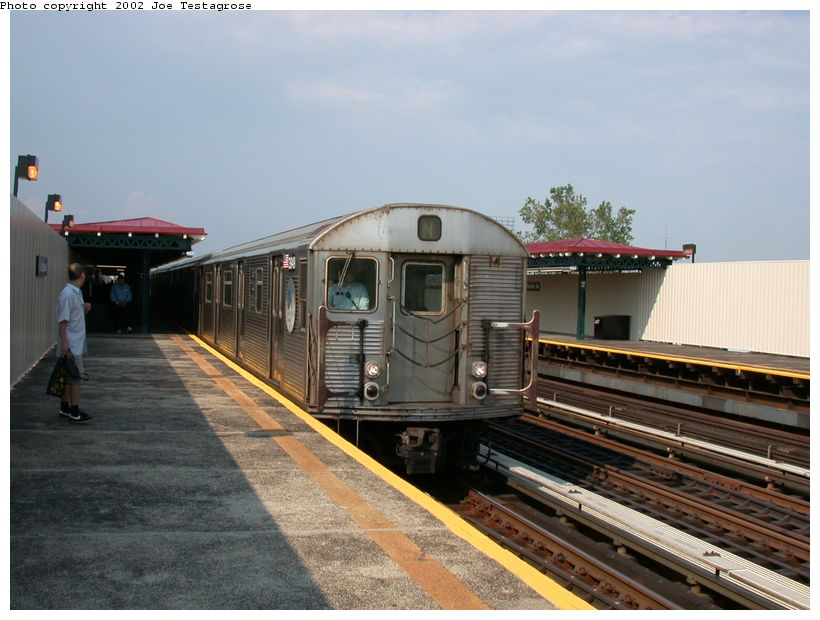 (117k, 820x620)<br><b>Country:</b> United States<br><b>City:</b> New York<br><b>System:</b> New York City Transit<br><b>Line:</b> BMT Astoria Line<br><b>Location:</b> 39th/Beebe Aves. <br><b>Car:</b> R-32 (Budd, 1964)  3949 <br><b>Photo by:</b> Joe Testagrose<br><b>Date:</b> 6/19/2002<br><b>Viewed (this week/total):</b> 0 / 5432