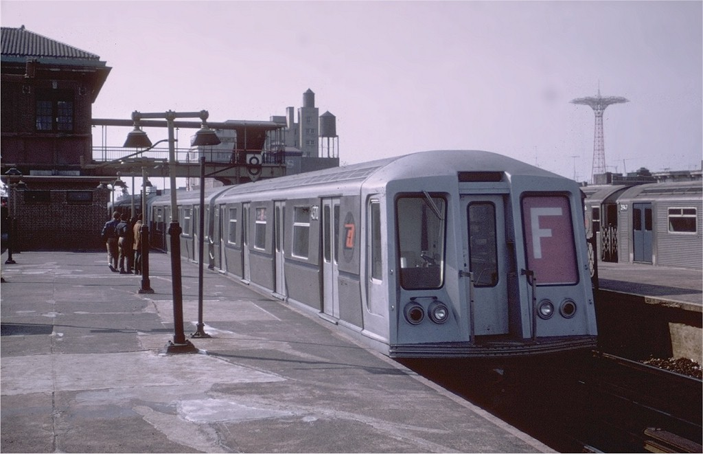 (149k, 1024x661)<br><b>Country:</b> United States<br><b>City:</b> New York<br><b>System:</b> New York City Transit<br><b>Location:</b> Coney Island/Stillwell Avenue<br><b>Route:</b> F<br><b>Car:</b> R-40 (St. Louis, 1968)  4370 <br><b>Photo by:</b> Joe Testagrose<br><b>Viewed (this week/total):</b> 0 / 2948
