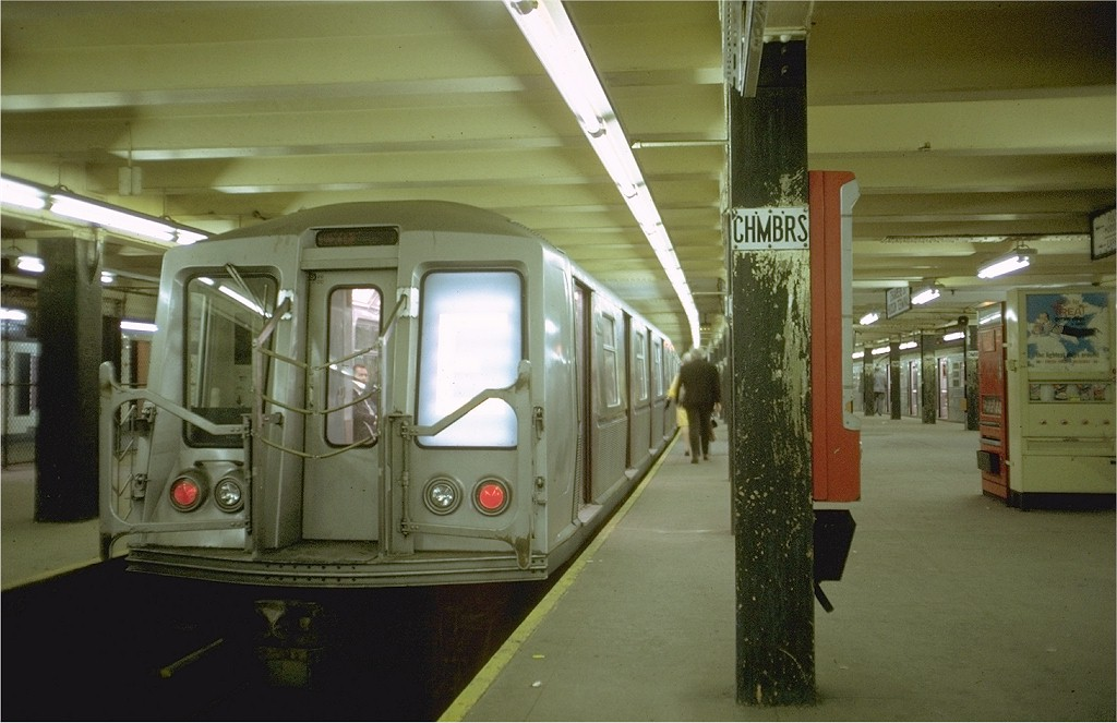(163k, 1024x663)<br><b>Country:</b> United States<br><b>City:</b> New York<br><b>System:</b> New York City Transit<br><b>Line:</b> IND 8th Avenue Line<br><b>Location:</b> Chambers Street/World Trade Center <br><b>Route:</b> E<br><b>Car:</b> R-40 (St. Louis, 1968)  4511 <br><b>Photo by:</b> Doug Grotjahn<br><b>Collection of:</b> Joe Testagrose<br><b>Date:</b> 5/13/1969<br><b>Viewed (this week/total):</b> 1 / 4201