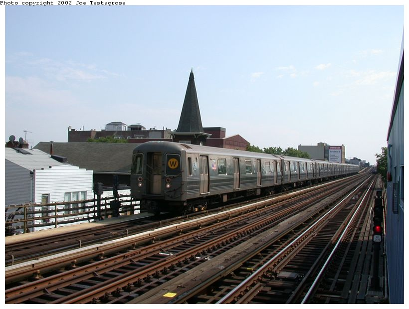 (115k, 820x620)<br><b>Country:</b> United States<br><b>City:</b> New York<br><b>System:</b> New York City Transit<br><b>Line:</b> BMT Astoria Line<br><b>Location:</b> 30th/Grand Aves. <br><b>Route:</b> W<br><b>Car:</b> R-68A (Kawasaki, 1988-1989)  5034 <br><b>Photo by:</b> Joe Testagrose<br><b>Date:</b> 6/19/2002<br><b>Viewed (this week/total):</b> 5 / 3614