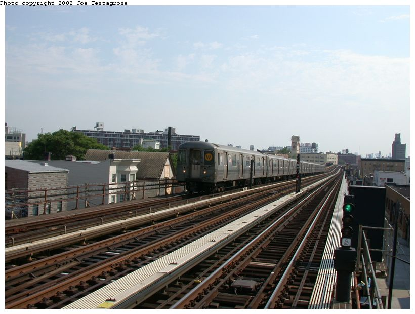 (119k, 820x620)<br><b>Country:</b> United States<br><b>City:</b> New York<br><b>System:</b> New York City Transit<br><b>Line:</b> BMT Astoria Line<br><b>Location:</b> 36th/Washington Aves. <br><b>Route:</b> W<br><b>Car:</b> R-68A (Kawasaki, 1988-1989)  5140 <br><b>Photo by:</b> Joe Testagrose<br><b>Date:</b> 6/19/2002<br><b>Viewed (this week/total):</b> 5 / 2677