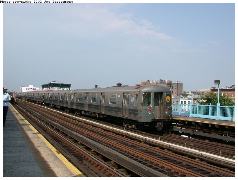 (111k, 820x620)<br><b>Country:</b> United States<br><b>City:</b> New York<br><b>System:</b> New York City Transit<br><b>Line:</b> BMT Astoria Line<br><b>Location:</b> Broadway <br><b>Route:</b> W<br><b>Car:</b> R-68A (Kawasaki, 1988-1989)  5194 <br><b>Photo by:</b> Joe Testagrose<br><b>Date:</b> 6/19/2002<br><b>Viewed (this week/total):</b> 0 / 2632