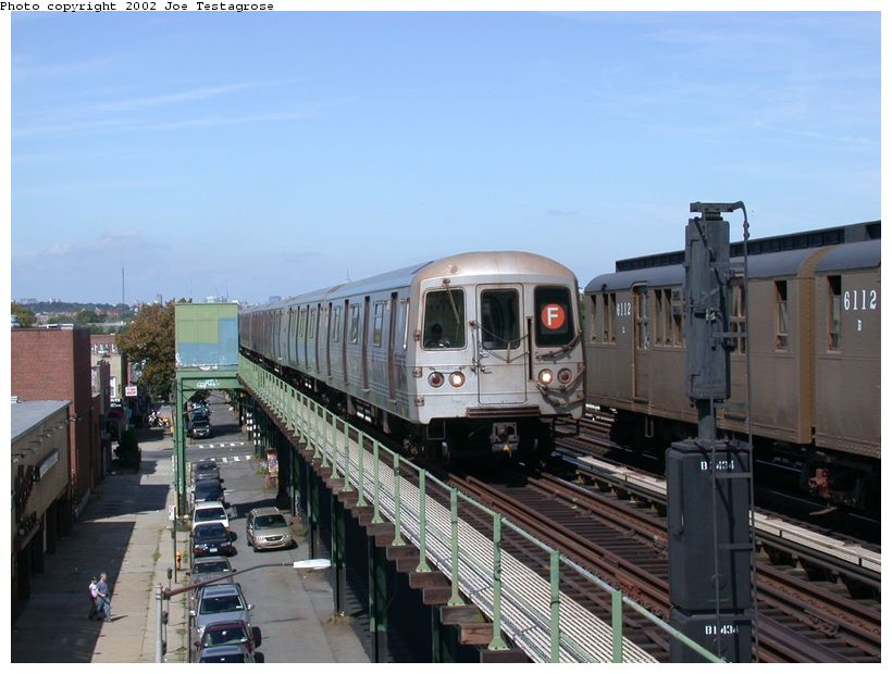 (116k, 820x620)<br><b>Country:</b> United States<br><b>City:</b> New York<br><b>System:</b> New York City Transit<br><b>Line:</b> BMT Culver Line<br><b>Location:</b> Avenue P <br><b>Car:</b> R-46 (Pullman-Standard, 1974-75) 5482 <br><b>Photo by:</b> Joe Testagrose<br><b>Date:</b> 9/22/2002<br><b>Viewed (this week/total):</b> 0 / 6435