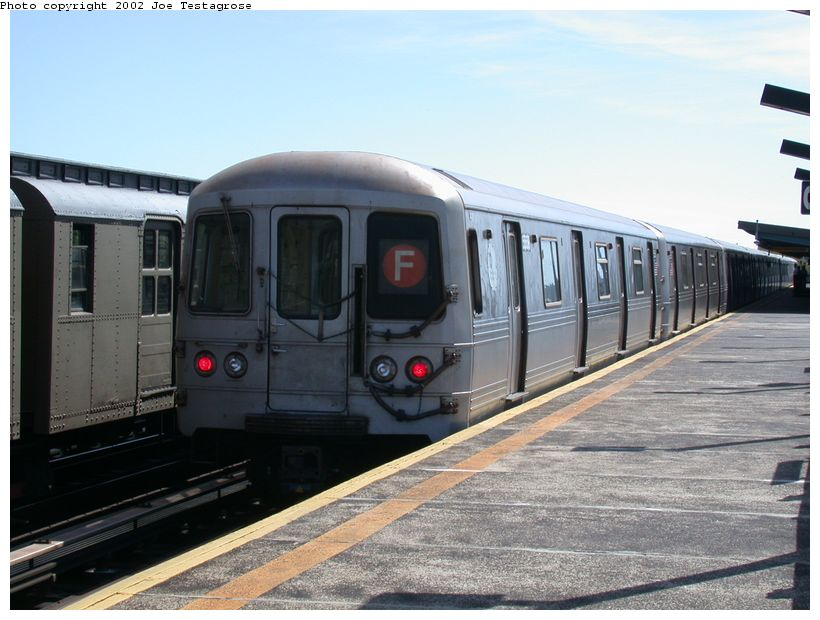 (116k, 820x620)<br><b>Country:</b> United States<br><b>City:</b> New York<br><b>System:</b> New York City Transit<br><b>Line:</b> BMT Culver Line<br><b>Location:</b> Avenue P <br><b>Car:</b> R-46 (Pullman-Standard, 1974-75) 5558 <br><b>Photo by:</b> Joe Testagrose<br><b>Date:</b> 9/22/2002<br><b>Viewed (this week/total):</b> 0 / 3670