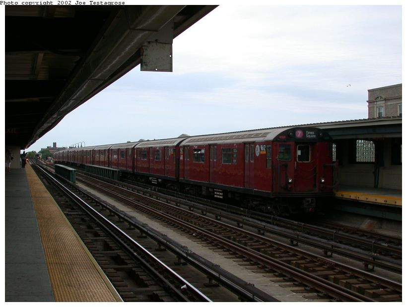 (102k, 820x620)<br><b>Country:</b> United States<br><b>City:</b> New York<br><b>System:</b> New York City Transit<br><b>Line:</b> IRT Flushing Line<br><b>Location:</b> 40th Street/Lowery Street <br><b>Route:</b> 7<br><b>Car:</b> R-36 World's Fair (St. Louis, 1963-64) 9612 <br><b>Photo by:</b> Joe Testagrose<br><b>Date:</b> 6/4/2002<br><b>Viewed (this week/total):</b> 33 / 2998