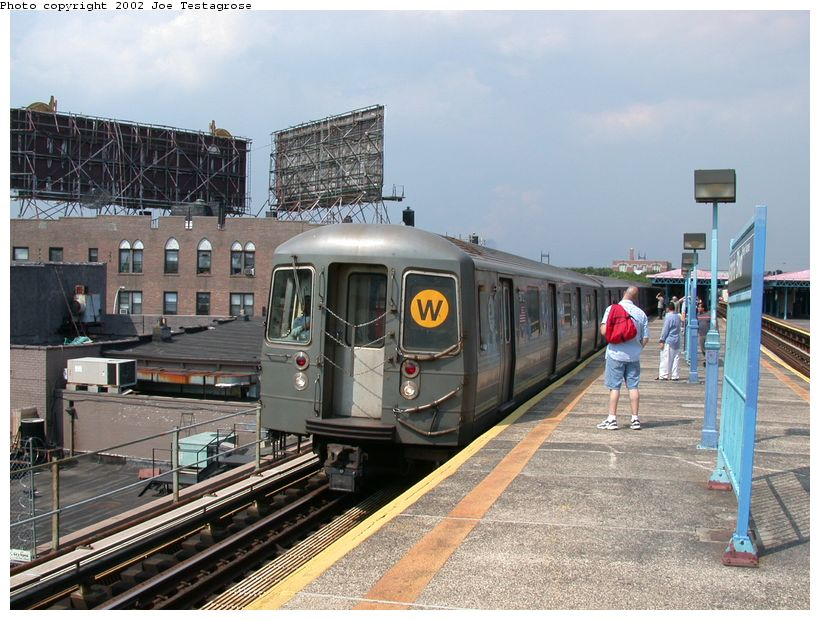 (140k, 820x620)<br><b>Country:</b> United States<br><b>City:</b> New York<br><b>System:</b> New York City Transit<br><b>Line:</b> BMT Astoria Line<br><b>Location:</b> Astoria Boulevard/Hoyt Avenue <br><b>Route:</b> W<br><b>Car:</b> R-68A (Kawasaki, 1988-1989)  5072 <br><b>Photo by:</b> Joe Testagrose<br><b>Date:</b> 6/19/2002<br><b>Viewed (this week/total):</b> 3 / 4331