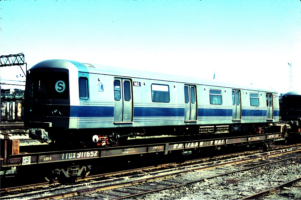 (257k, 1024x680)<br><b>Country:</b> United States<br><b>City:</b> Hoboken, NJ<br><b>System:</b> New York City Transit<br><b>Location:</b> Hoboken Yard <br><b>Car:</b> R-46 (Pullman-Standard, 1974-75) 962 <br><b>Photo by:</b> Ed McKernan<br><b>Collection of:</b> Joe Testagrose<br><b>Date:</b> 3/17/1977<br><b>Viewed (this week/total):</b> 0 / 296