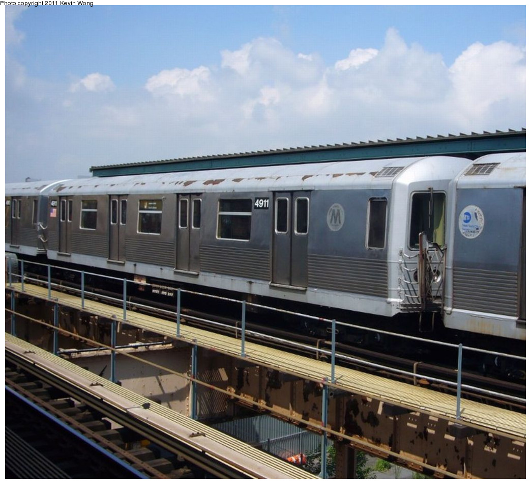 (235k, 1044x950)<br><b>Country:</b> United States<br><b>City:</b> New York<br><b>System:</b> New York City Transit<br><b>Line:</b> BMT Nassau Street/Jamaica Line<br><b>Location:</b> 121st Street <br><b>Route:</b> J<br><b>Car:</b> R-42 (St. Louis, 1969-1970)  4911 <br><b>Photo by:</b> Kevin Wong<br><b>Date:</b> 7/27/2007<br><b>Viewed (this week/total):</b> 2 / 279