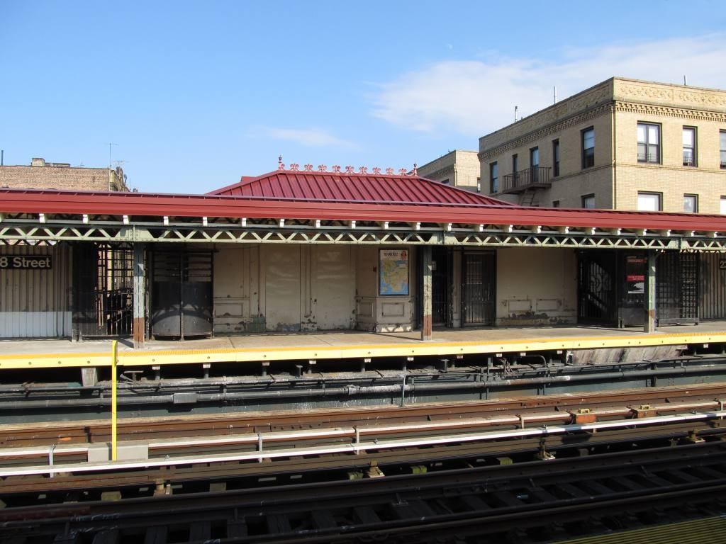 (123k, 1024x768)<br><b>Country:</b> United States<br><b>City:</b> New York<br><b>System:</b> New York City Transit<br><b>Line:</b> IRT West Side Line<br><b>Location:</b> 238th Street <br><b>Photo by:</b> Robbie Rosenfeld<br><b>Date:</b> 6/28/2012<br><b>Viewed (this week/total):</b> 3 / 389