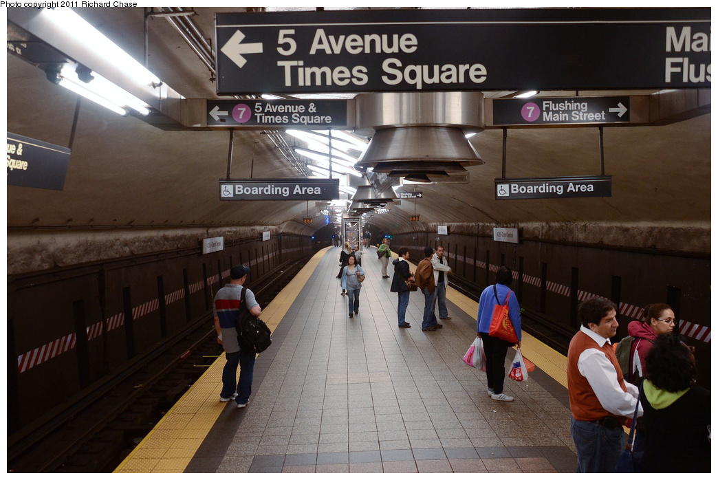 (341k, 1044x698)<br><b>Country:</b> United States<br><b>City:</b> New York<br><b>System:</b> New York City Transit<br><b>Line:</b> IRT Flushing Line<br><b>Location:</b> Grand Central <br><b>Photo by:</b> Richard Chase<br><b>Date:</b> 5/23/2011<br><b>Viewed (this week/total):</b> 3 / 491