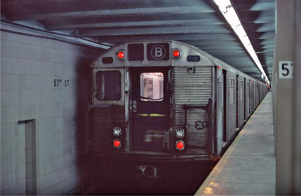 (166k, 1024x669)<br><b>Country:</b> United States<br><b>City:</b> New York<br><b>System:</b> New York City Transit<br><b>Line:</b> IND 6th Avenue Line<br><b>Location:</b> 57th Street <br><b>Route:</b> B<br><b>Car:</b> R-32 (Budd, 1964)  3690 <br><b>Collection of:</b> Joe Testagrose<br><b>Date:</b> 1/26/1977<br><b>Viewed (this week/total):</b> 0 / 1206