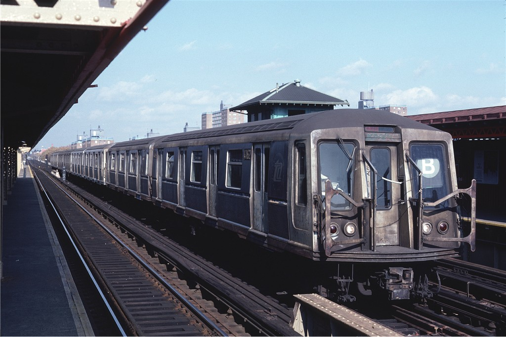 (175k, 1024x682)<br><b>Country:</b> United States<br><b>City:</b> New York<br><b>System:</b> New York City Transit<br><b>Line:</b> BMT West End Line<br><b>Location:</b> Bay 50th Street <br><b>Car:</b> R-40 (St. Louis, 1968)  4162 <br><b>Photo by:</b> Steve Zabel<br><b>Collection of:</b> Joe Testagrose<br><b>Date:</b> 11/6/1981<br><b>Viewed (this week/total):</b> 3 / 775