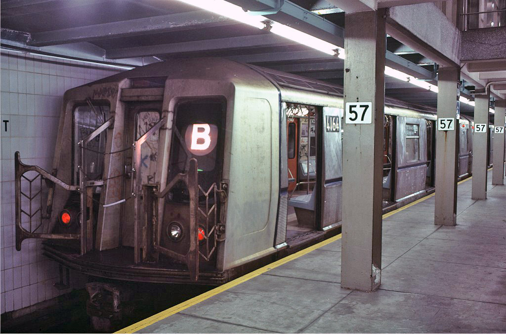 (202k, 1024x675)<br><b>Country:</b> United States<br><b>City:</b> New York<br><b>System:</b> New York City Transit<br><b>Line:</b> IND 6th Avenue Line<br><b>Location:</b> 57th Street <br><b>Route:</b> B<br><b>Car:</b> R-40 (St. Louis, 1968)  4164 <br><b>Photo by:</b> Doug Grotjahn<br><b>Collection of:</b> Joe Testagrose<br><b>Date:</b> 11/4/1980<br><b>Viewed (this week/total):</b> 2 / 697