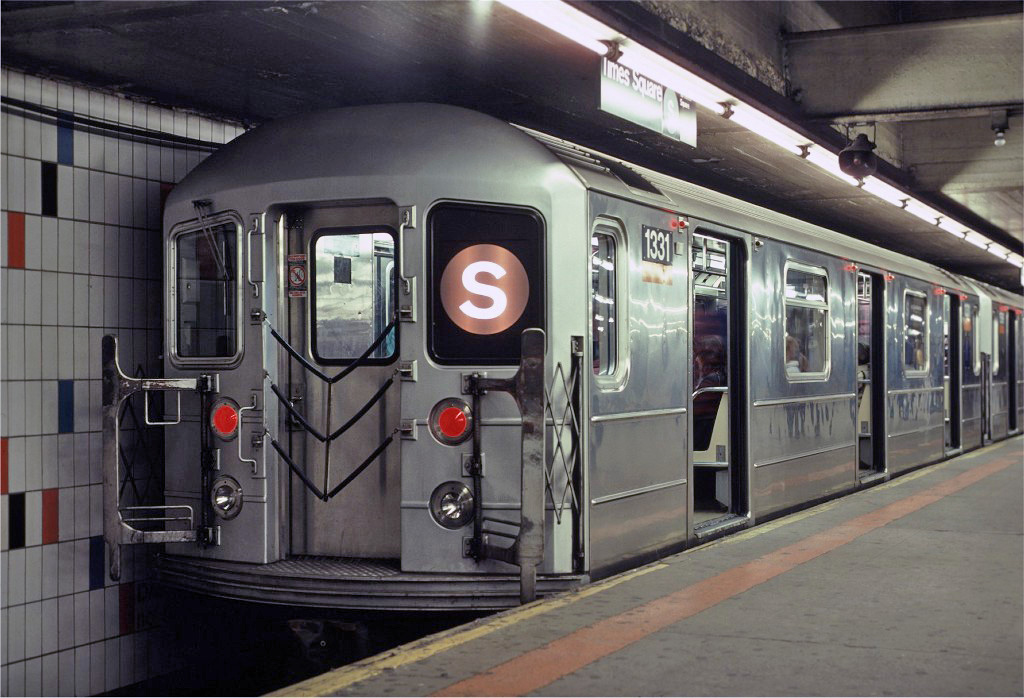(243k, 1024x698)<br><b>Country:</b> United States<br><b>City:</b> New York<br><b>System:</b> New York City Transit<br><b>Line:</b> IRT Times Square-Grand Central Shuttle<br><b>Location:</b> Grand Central <br><b>Car:</b> R-62 (Kawasaki, 1983-1985)  1331 <br><b>Photo by:</b> Eric Oszustowicz<br><b>Collection of:</b> Joe Testagrose<br><b>Date:</b> 10/19/1987<br><b>Viewed (this week/total):</b> 3 / 1303