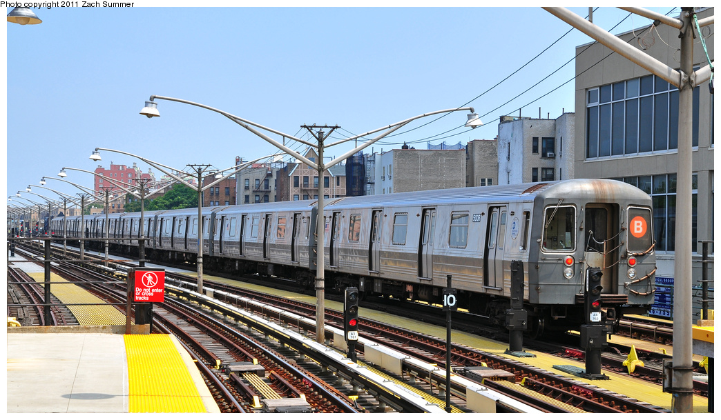 (386k, 1044x609)<br><b>Country:</b> United States<br><b>City:</b> New York<br><b>System:</b> New York City Transit<br><b>Line:</b> BMT Brighton Line<br><b>Location:</b> Ocean Parkway <br><b>Route:</b> B Layup<br><b>Car:</b> R-68A (Kawasaki, 1988-1989)  5006 <br><b>Photo by:</b> Zach Summer<br><b>Date:</b> 7/22/2011<br><b>Viewed (this week/total):</b> 2 / 213