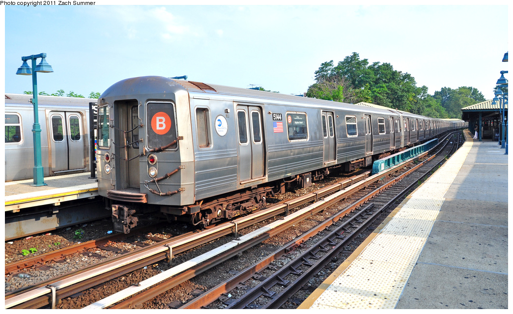 (424k, 1044x639)<br><b>Country:</b> United States<br><b>City:</b> New York<br><b>System:</b> New York City Transit<br><b>Line:</b> BMT Brighton Line<br><b>Location:</b> Sheepshead Bay <br><b>Route:</b> B<br><b>Car:</b> R-68A (Kawasaki, 1988-1989)  5144 <br><b>Photo by:</b> Zach Summer<br><b>Date:</b> 7/22/2011<br><b>Viewed (this week/total):</b> 0 / 455