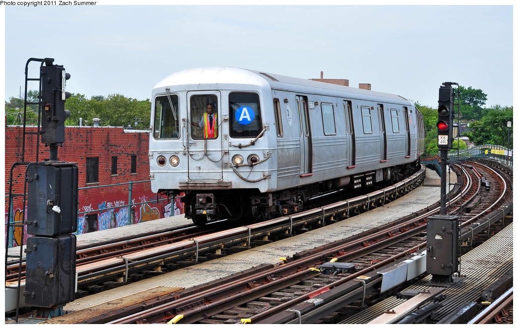 (411k, 1044x664)<br><b>Country:</b> United States<br><b>City:</b> New York<br><b>System:</b> New York City Transit<br><b>Line:</b> IND Fulton Street Line<br><b>Location:</b> 80th Street/Hudson Street <br><b>Route:</b> A<br><b>Car:</b> R-46 (Pullman-Standard, 1974-75) 5864 <br><b>Photo by:</b> Zach Summer<br><b>Date:</b> 7/23/2011<br><b>Viewed (this week/total):</b> 5 / 572