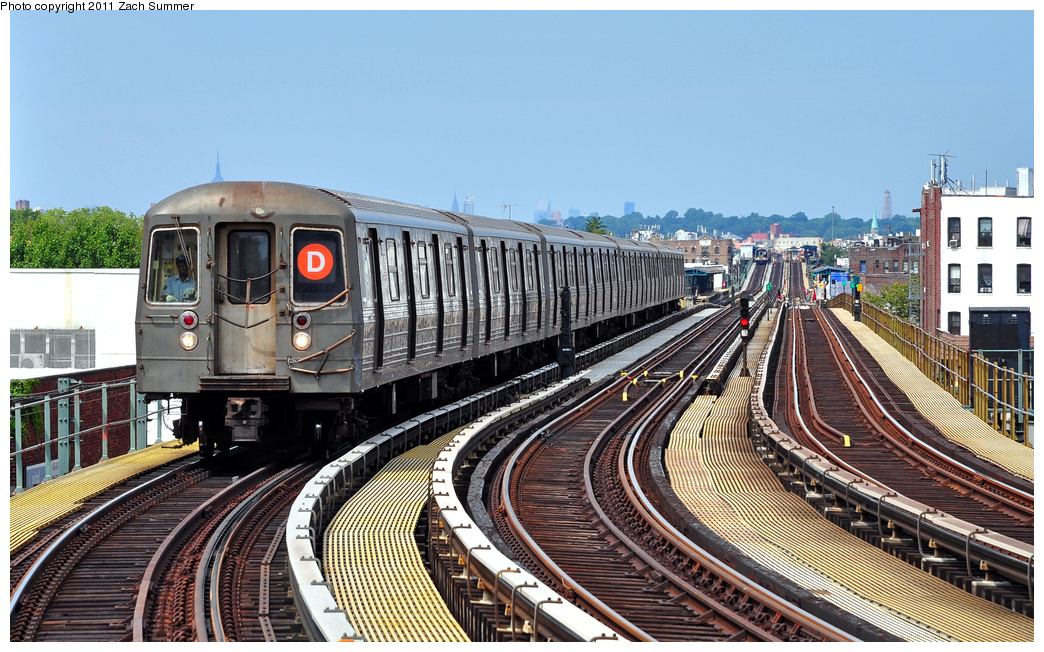 (421k, 1044x652)<br><b>Country:</b> United States<br><b>City:</b> New York<br><b>System:</b> New York City Transit<br><b>Line:</b> BMT West End Line<br><b>Location:</b> 18th Avenue <br><b>Route:</b> D<br><b>Car:</b> R-68 (Westinghouse-Amrail, 1986-1988)  2796 <br><b>Photo by:</b> Zach Summer<br><b>Date:</b> 7/23/2011<br><b>Viewed (this week/total):</b> 0 / 386