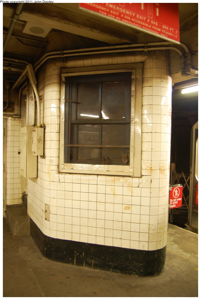 (280k, 701x1044)<br><b>Country:</b> United States<br><b>City:</b> New York<br><b>System:</b> New York City Transit<br><b>Line:</b> IRT Brooklyn Line<br><b>Location:</b> Franklin Avenue <br><b>Photo by:</b> John Dooley<br><b>Date:</b> 6/28/2011<br><b>Notes:</b> Dispatcher office.<br><b>Viewed (this week/total):</b> 0 / 424