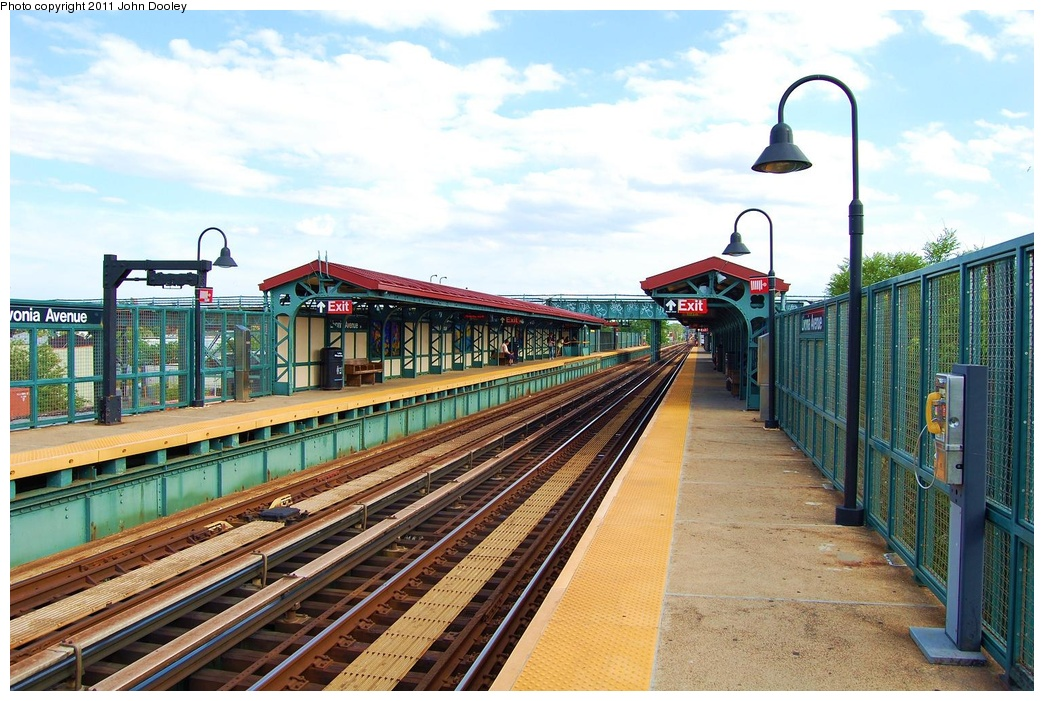 (350k, 1044x701)<br><b>Country:</b> United States<br><b>City:</b> New York<br><b>System:</b> New York City Transit<br><b>Line:</b> BMT Canarsie Line<br><b>Location:</b> Livonia Avenue <br><b>Photo by:</b> John Dooley<br><b>Date:</b> 6/29/2011<br><b>Viewed (this week/total):</b> 2 / 359